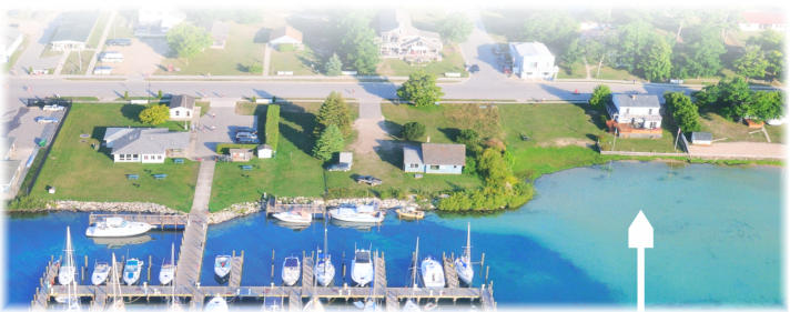 Waterfront 5 bedroom next to yacht dock