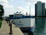 190South_Shore_Chicago_bow.jpg