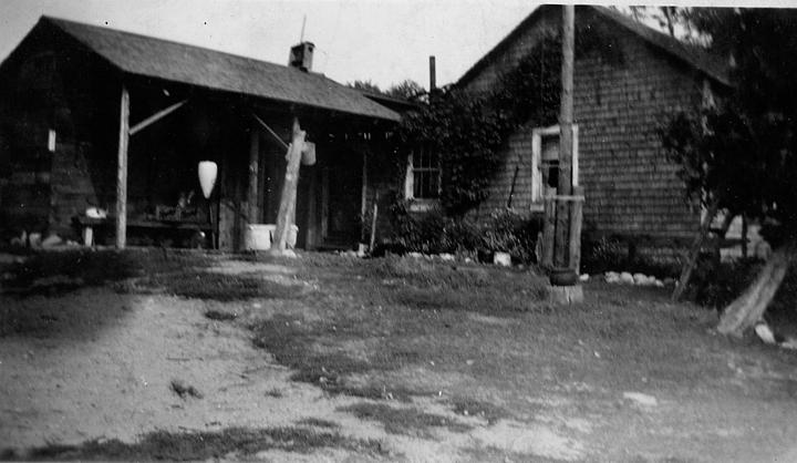 11coles_house_and_woodshed_at_nomad_1936