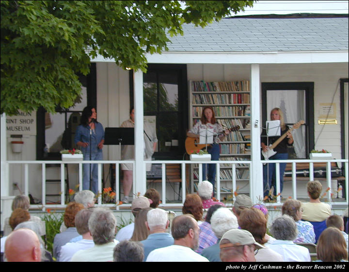 2music-on-the-porch-2002-45