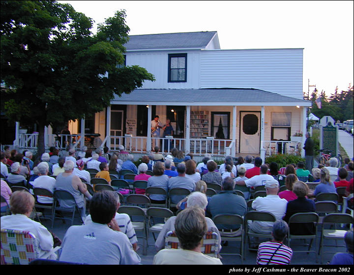 2music-on-the-porch-2002-73