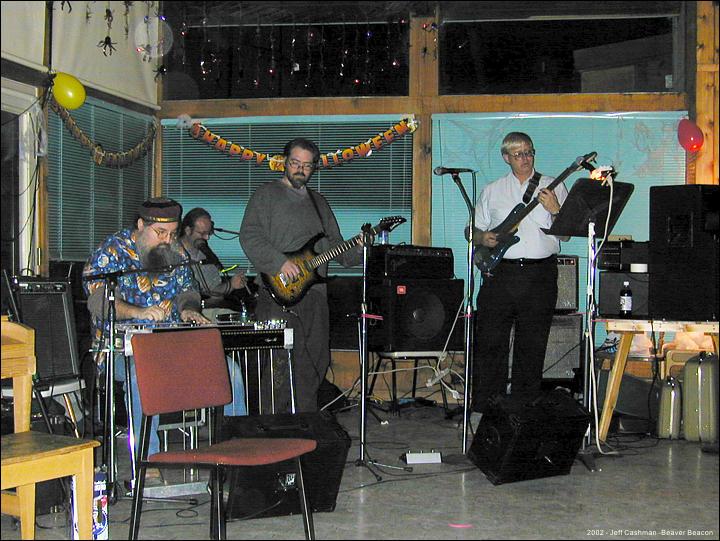 2CMU_Closing_Party_2002_Beaver_Beacon_Beaver_Island_1619