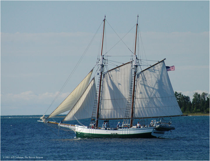 2Madeline-Beaver-Beacon-Sailing-by-Luneys-Point
