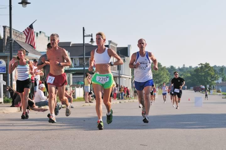 Beaver-Beacon-News-Beaver-Island-Marathon-JJC_5302