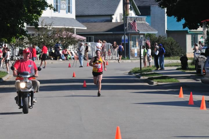 Beaver-Beacon-News-Beaver-Island-Marathon-JJC_5572