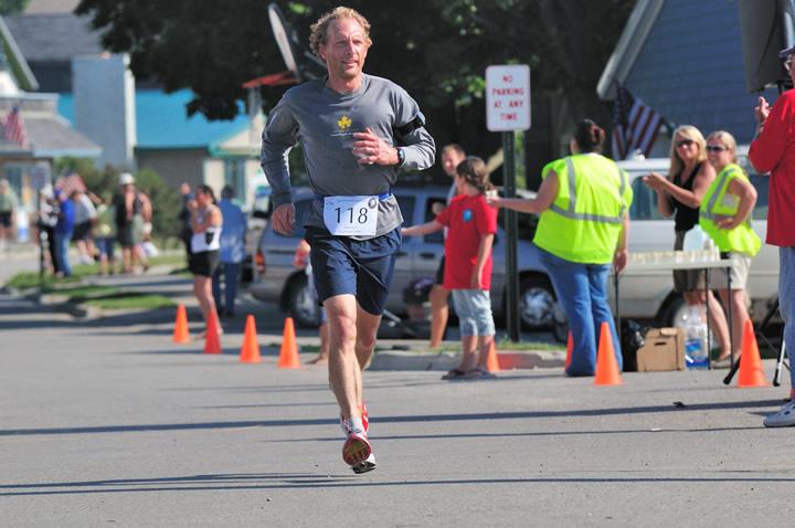 Beaver-Beacon-News-Beaver-Island-Marathon-JJC_5637